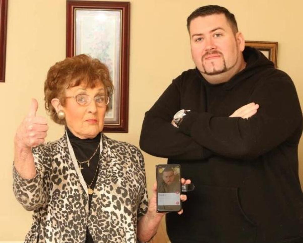 Scott Lefevre y su abuela Trina.jpg