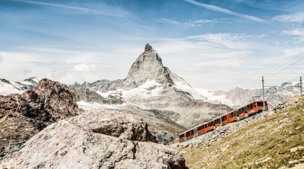 el-mundo-fantastico-que-se-esconde-entre-las-montanas-de-suiza-zermatt.jpg