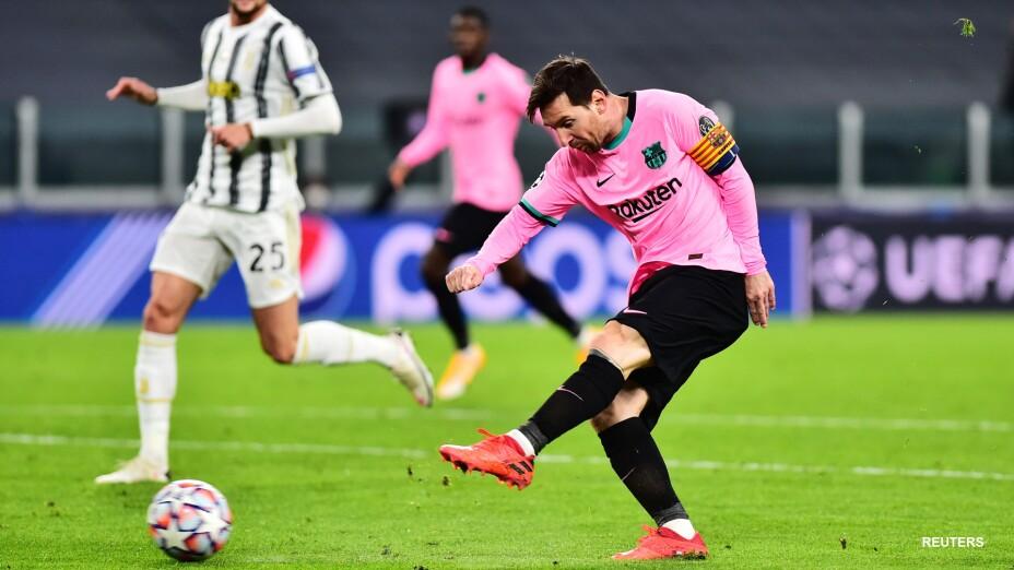 Lionel Messi anotando ante Juventus