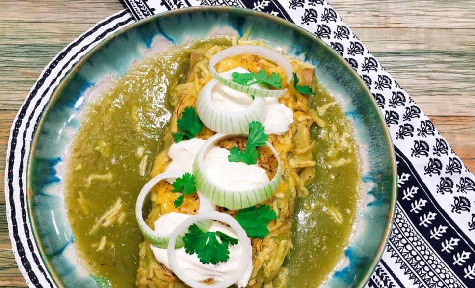 receta, enchiladas suizas, cocineros mexicanos, tv azteca