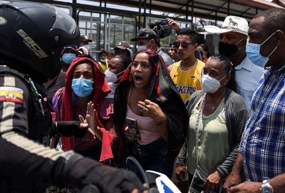 118 muertos por motín en cárcel de Guayaquil, Ecuador.
