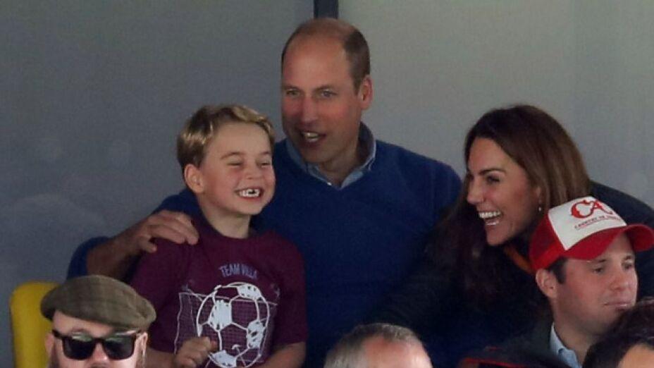 El Príncipe William asegura que su hijo podría ser el máximo goleador del Aston Villa