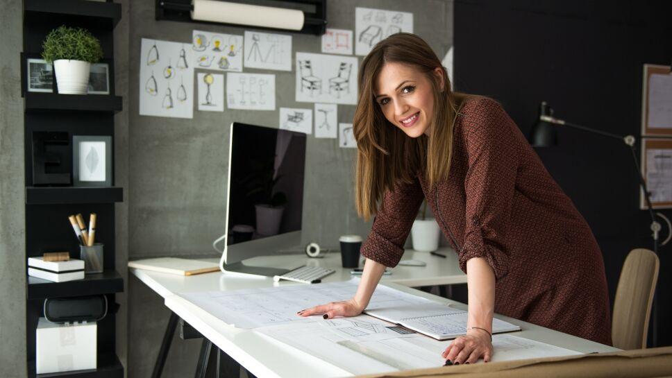 mujer trabajando negocio chambeando en mexico retomar sus actividades