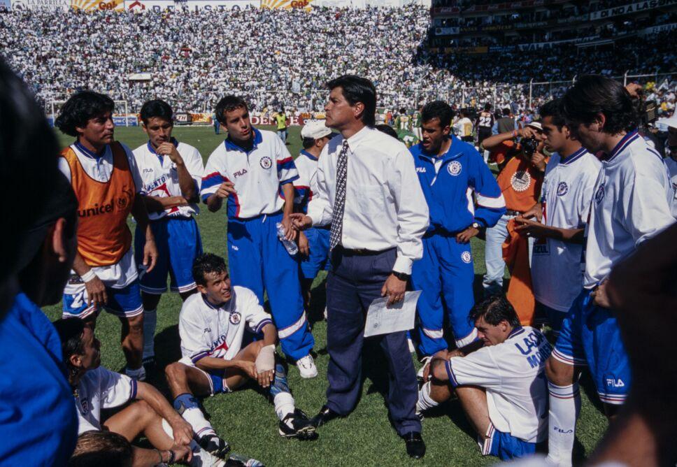 Luis Fernando Tena hizo campeón a Cruz Azul
