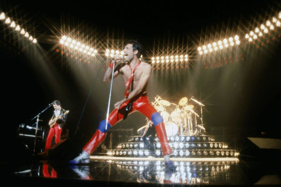 Queen At The Forum