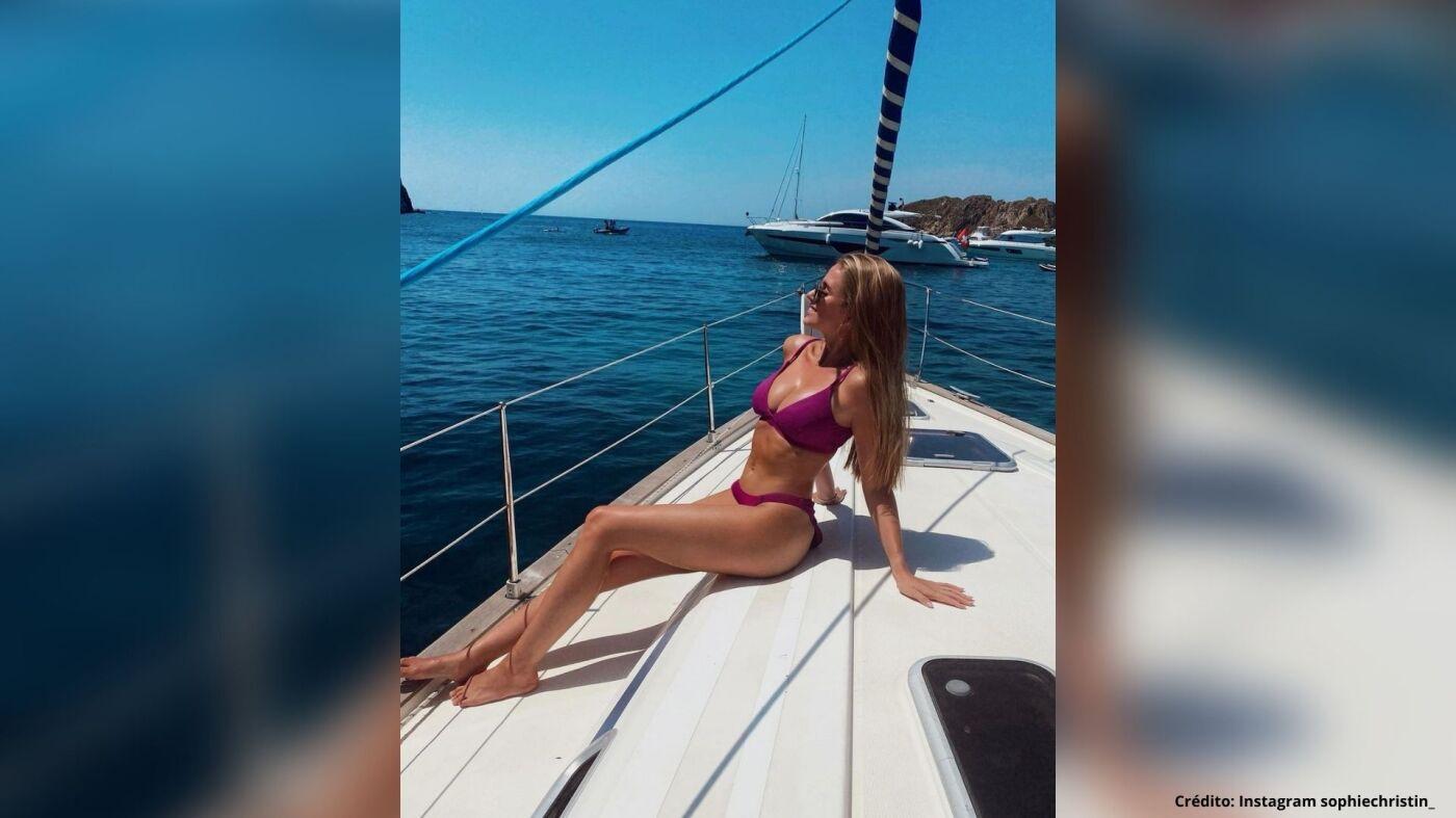 3 Sophie Christin bernd leno instagram fotos.jpg
