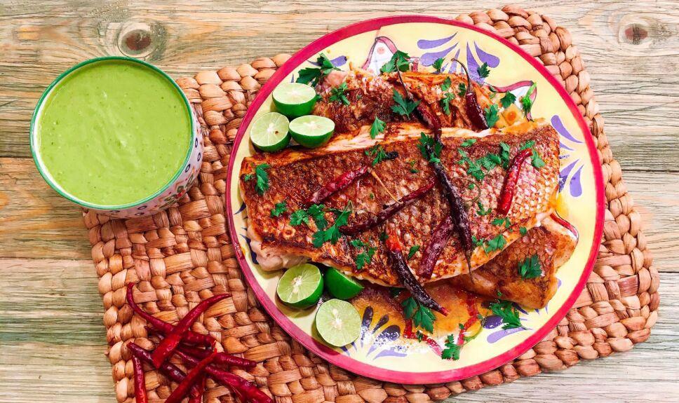 Receta Pescado al guajillo Cocineros Mexicanos
