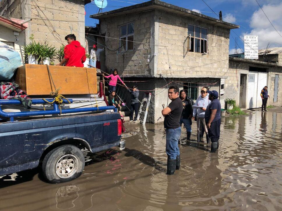 Desborda el Rio Lerma en Toluca.