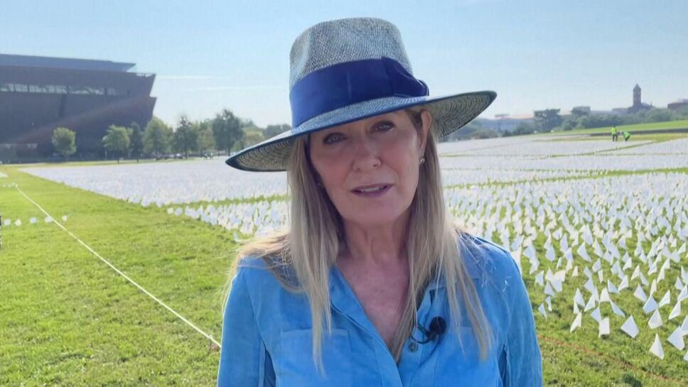 650 mil banderas dedicadas a los muertos de COVID en EUA.