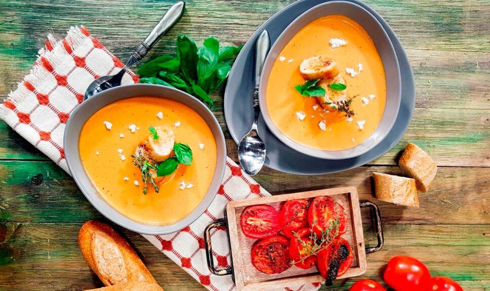 Sopa de tomate y chipotle