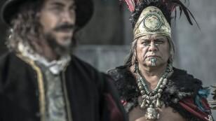 Moctezuma y Hernán Cortés en la serie