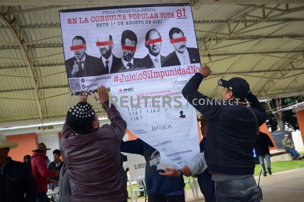 Referendum to decide whether to investigate five former Mexican leaders, in Corazon de Maria