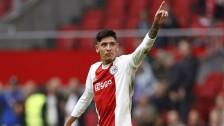 Edson Álvarez celebra con el Ajax
