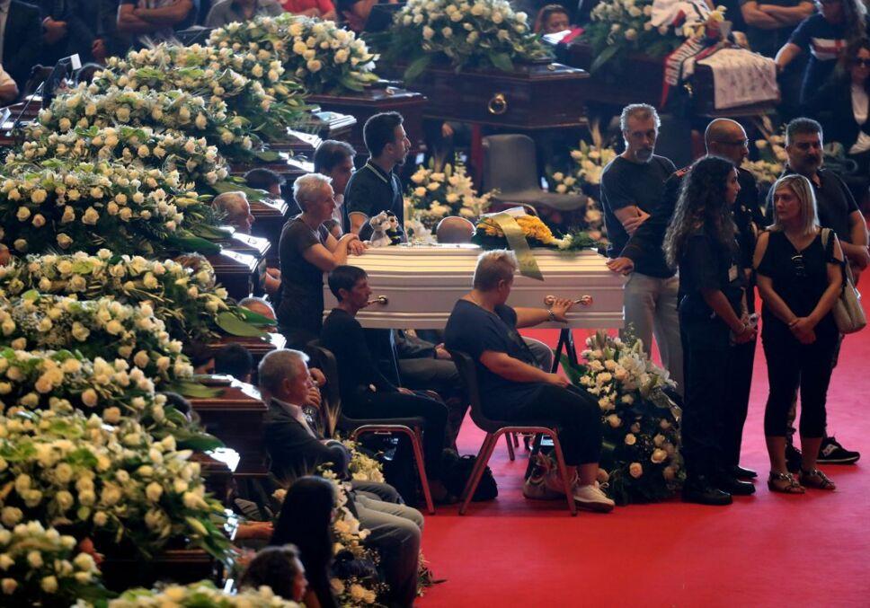 funeral italia victimas3