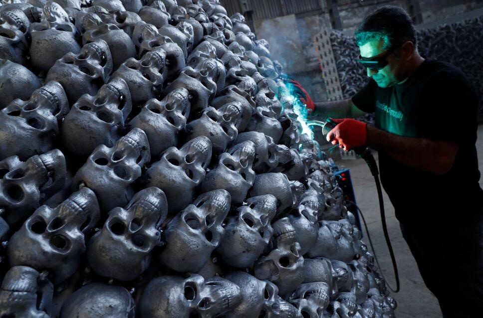 Escultor turco crea arte con tema de la inmortalidad
