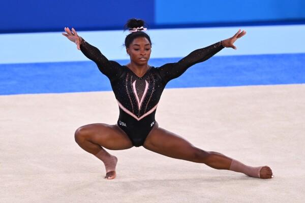 Simone Biles entrena en Tokyo 2020