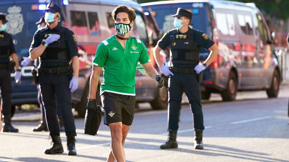 Diego Lainez entró a los 71 minutos.