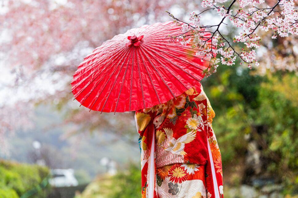 Muje en vestido tradicional tour a japon en cdmx