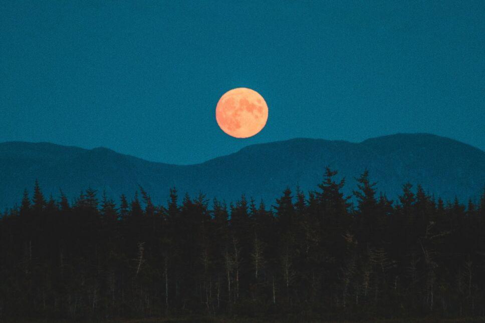 Rituales para atraer la energía en la Súper Luna