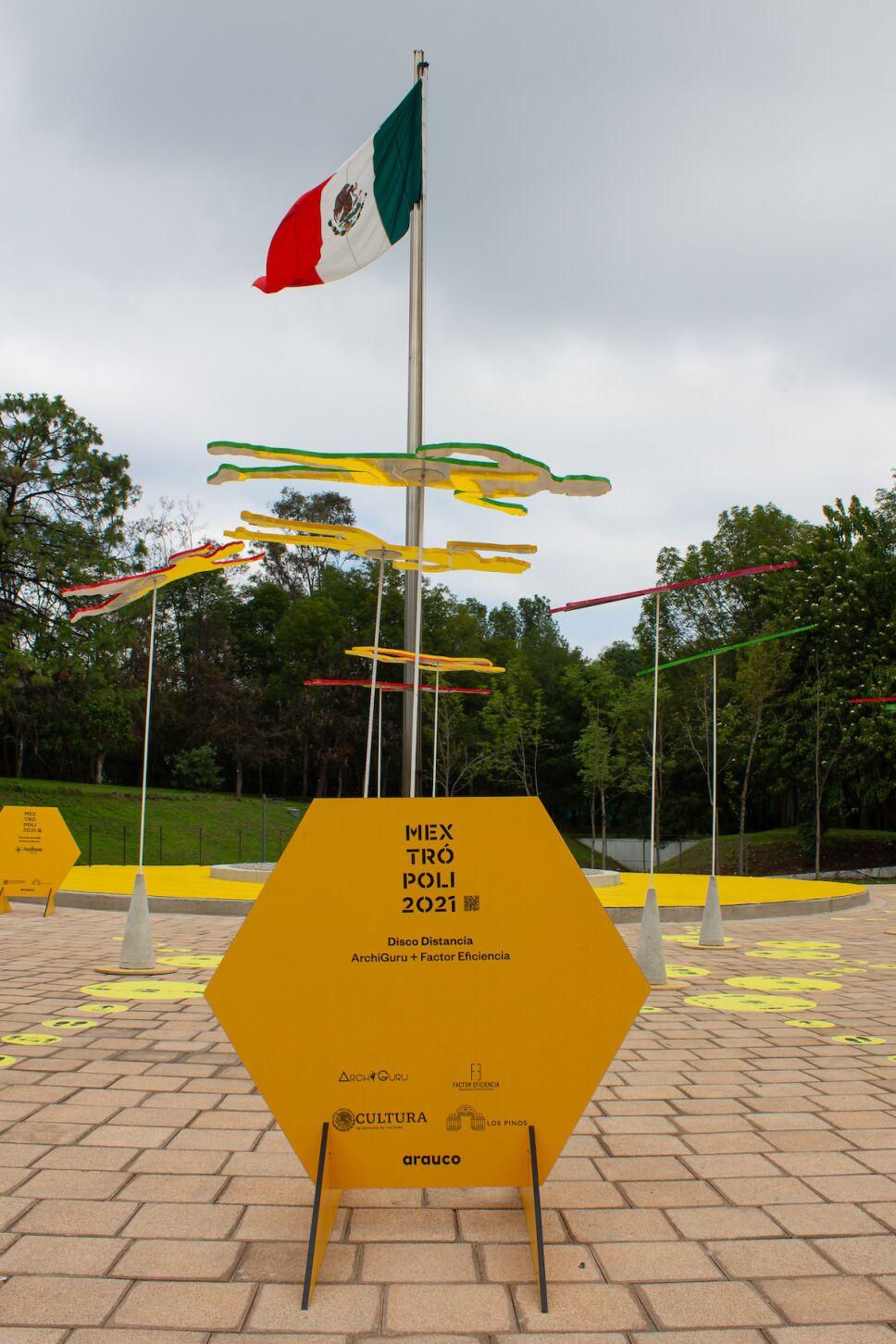 el punto amarillo bandera de mexico