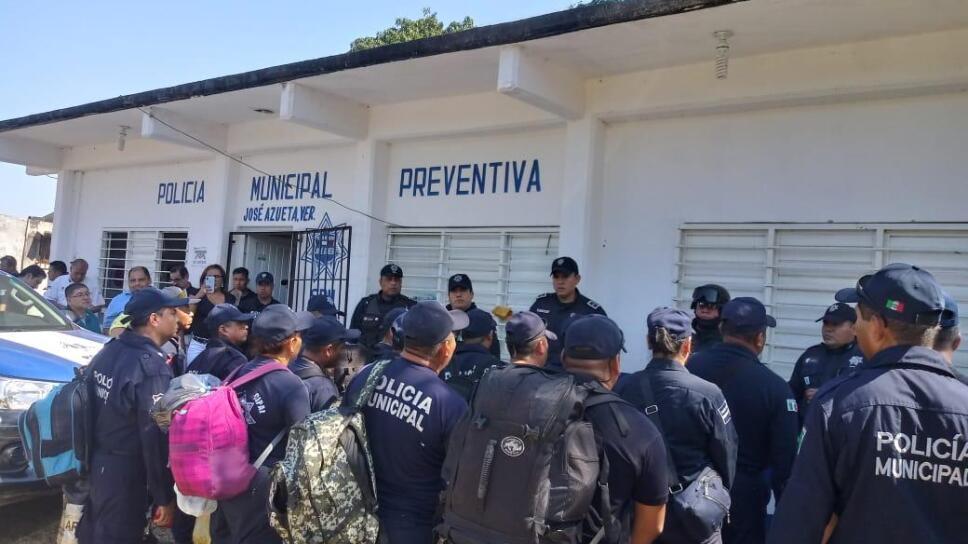 Relevan Ejército, Marina y SSP a Policía Municipal de José Azueta