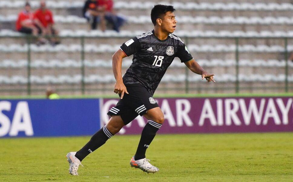 Efraín Álvarez llegaría a la selección mayor