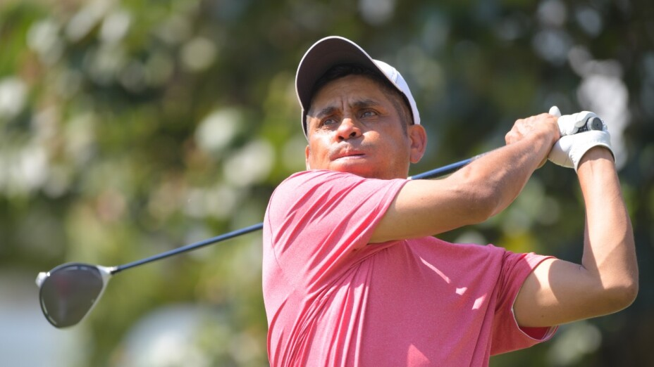 El 'Inmortal' Jorge Campos participa en la Gira de Golf Profesional en Cuernavaca