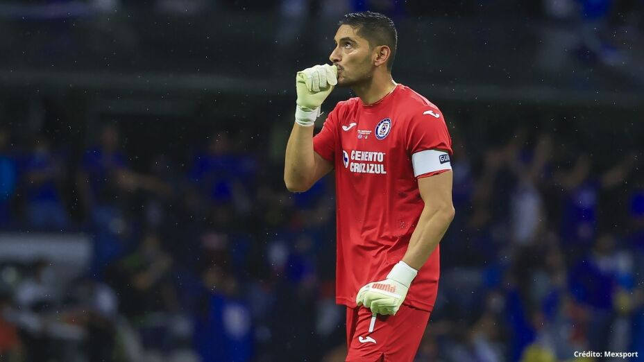 4 Jesús Corona campeón liga mx cruz azul 2021.jpg