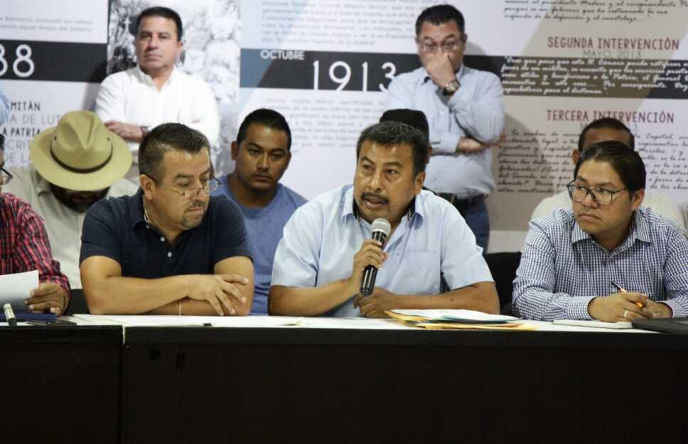 Gobernador de Chiapas y Secretario de Educación Pública se reúnen con integrantes de la Sección 7 de la CNTE