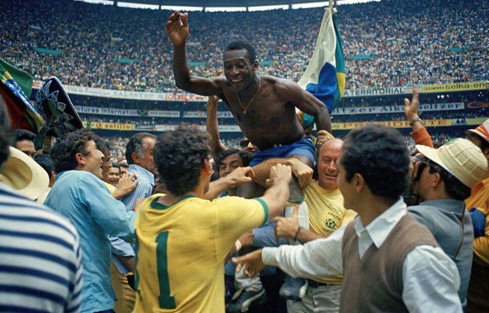 Pelé se consagró en el Azteca.