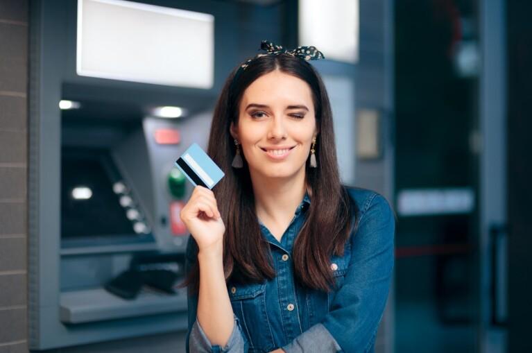 ¿Cuánto dinero puedo depositar en mi cuenta sin pagar impuestos al SAT?