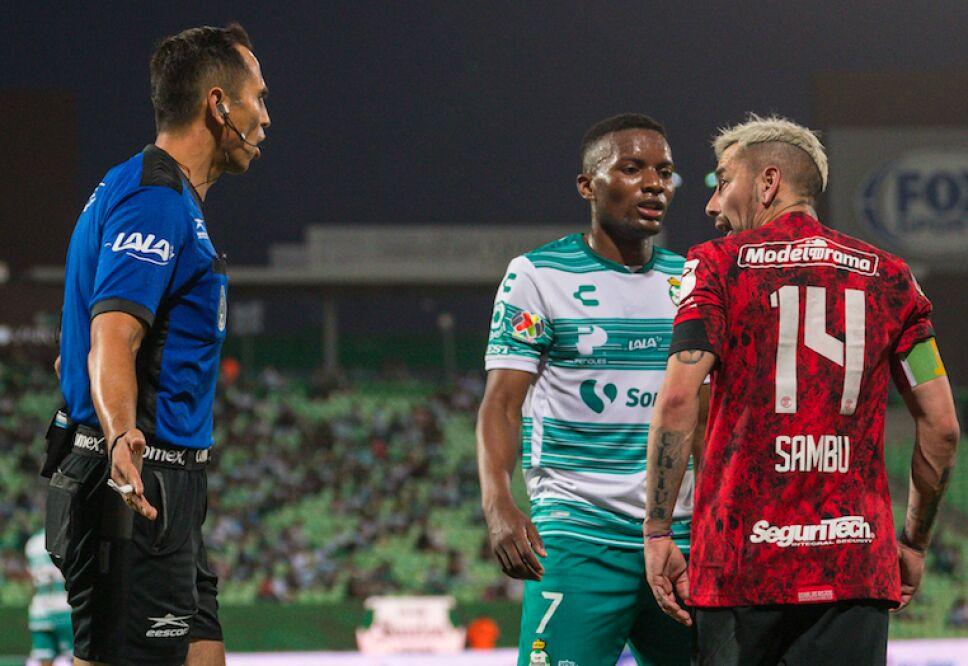 Santos vs Toluca .jpg