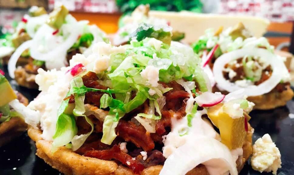 Receta Sopes de chilorio Cocineros Mexicanos