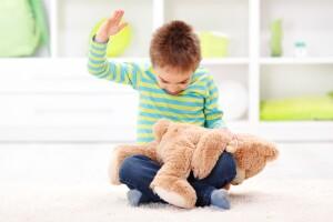 Nalgadas de niños, inestabilidad mental de adulto