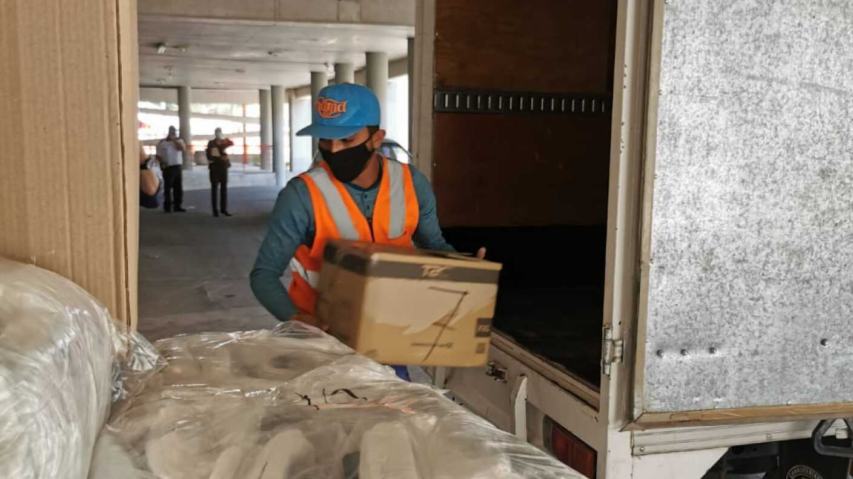 "Saúl ""Canelo"" Álvarez donó decenas de kits a médicos residentes del Hospital Civil de Guadalajara"