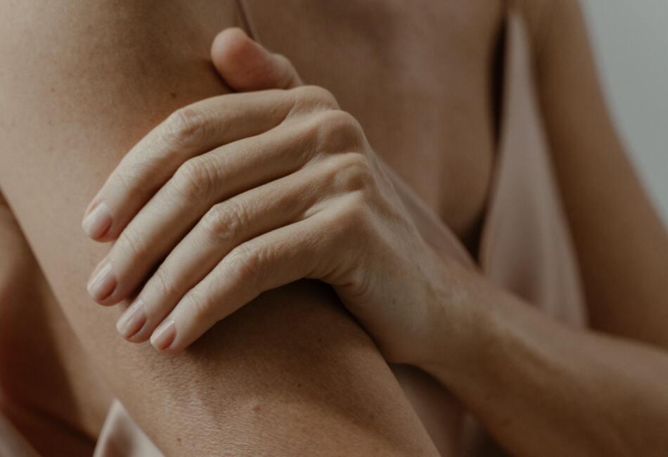 El sistema inmunológico crea anticuerpos que inflaman la piel, los senos paranasales, las vías respiratorias e incluso el aparato digestivo. Así es como puedes saber si eres alérgico a un alimento: