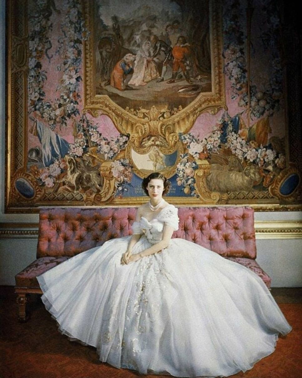 princesa margarita retrato con traje blanco