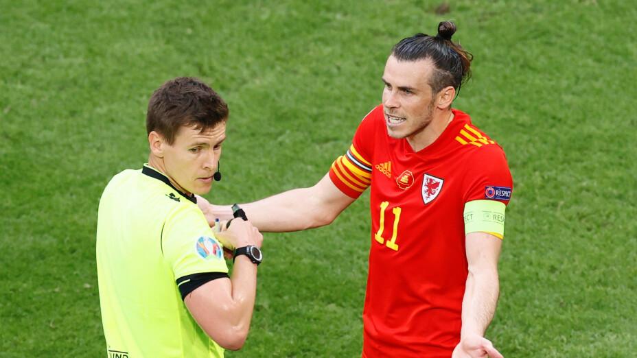 Gareth Bale y árbitro