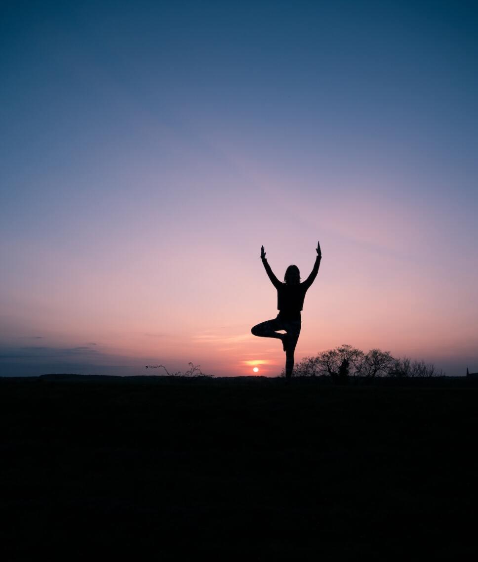 mujer en equilibrio