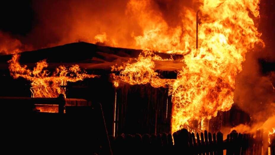 Rosario incendia casa con marido.jpeg
