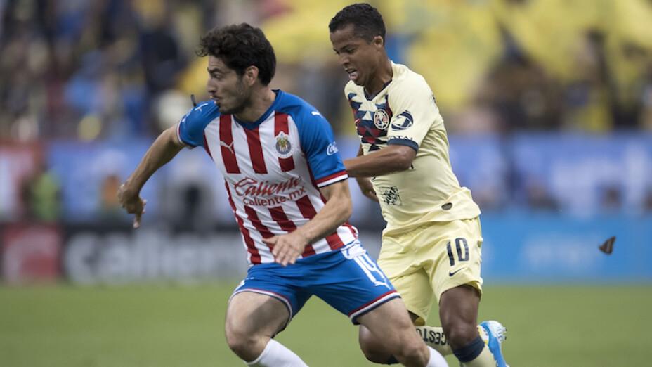 Giovani dos Santos y Antonio Briseño