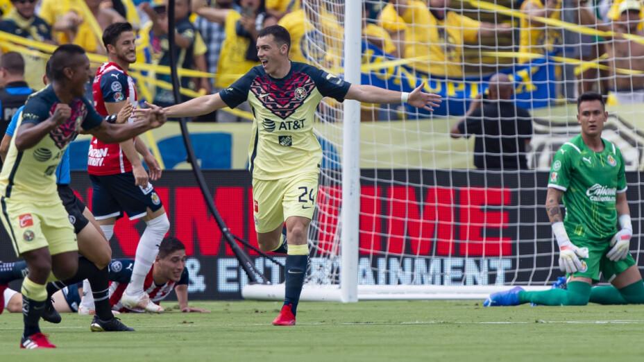 Los memes se ríen de Chivas tras perder con gol de vestidor.png