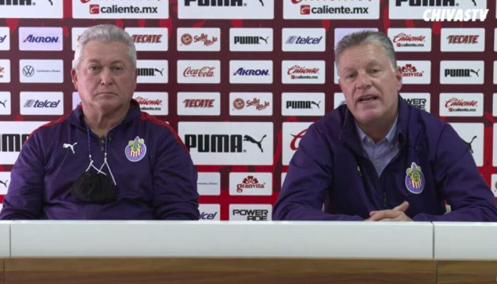 Chivas conferencia de prensa Vucetich y Peláez