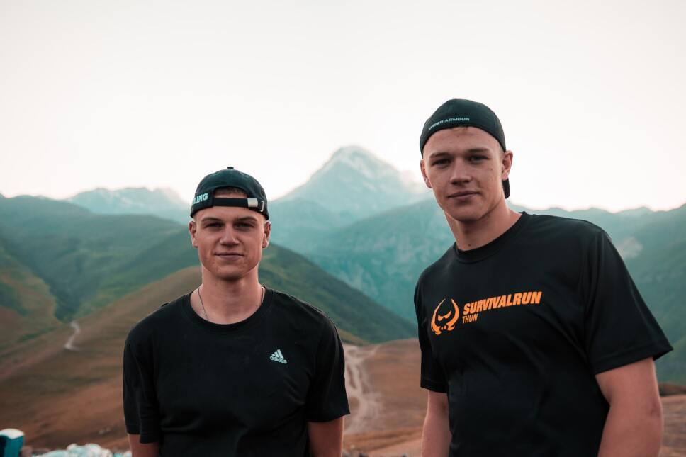 hermanos en la montaña