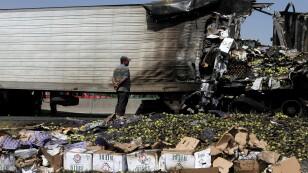 Choque de tráileres en el Circuito Exterior Mexiquense