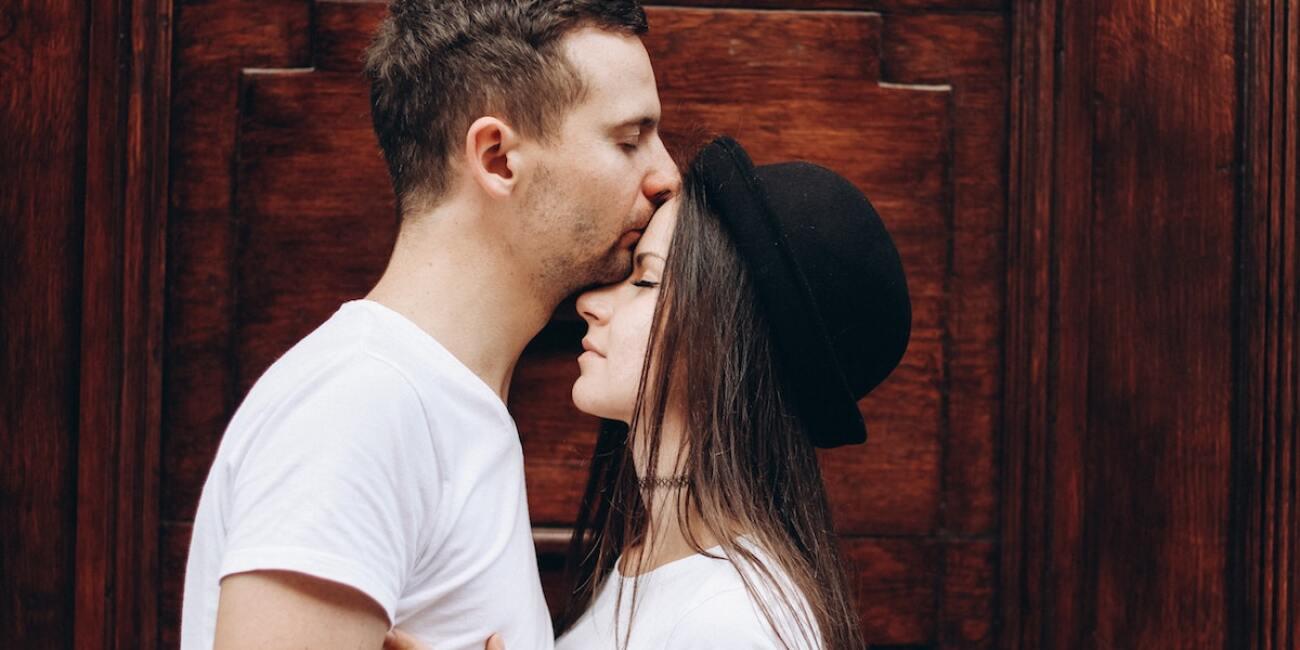 señales de que tu pareja aún no olvida a su ex