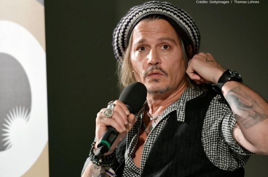 Es un actor, productor, director, guionista y músico estadounidense.