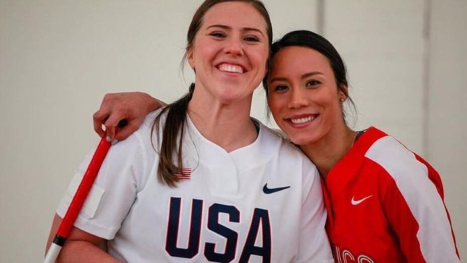 Sóftbol Anissa Urtez y Amanda Chidester.jpg