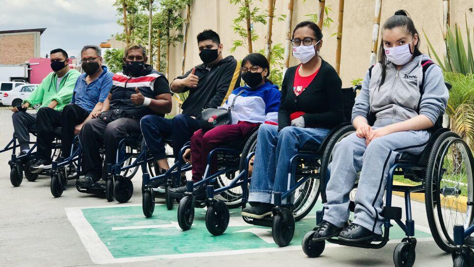 beneficiados-sillas-de-ruedas.png
