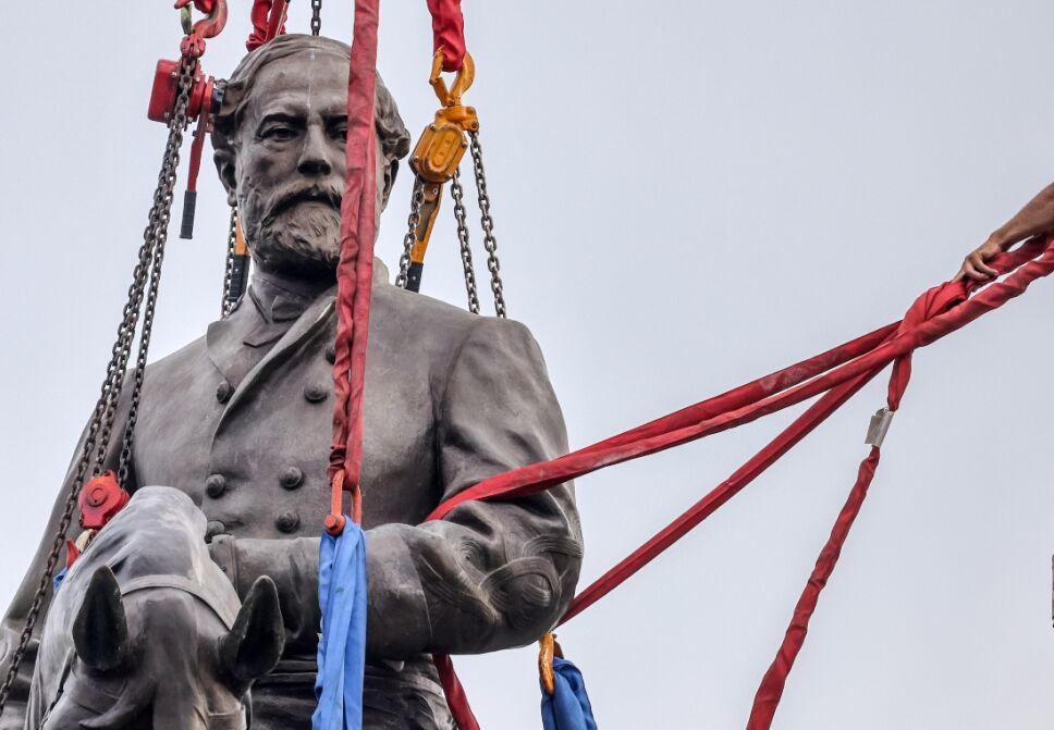 general confederado robert e. lee estatua.jpg